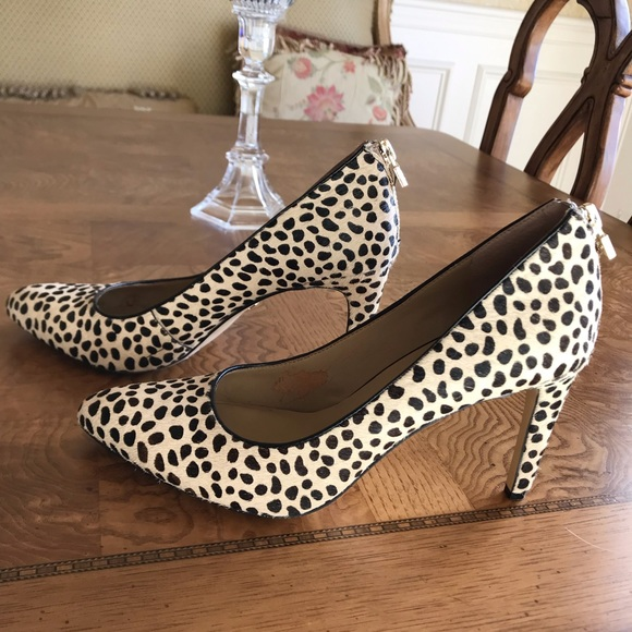 7506968c00d Ann Taylor Shoes - Ann Taylor leopard print calf hair pump